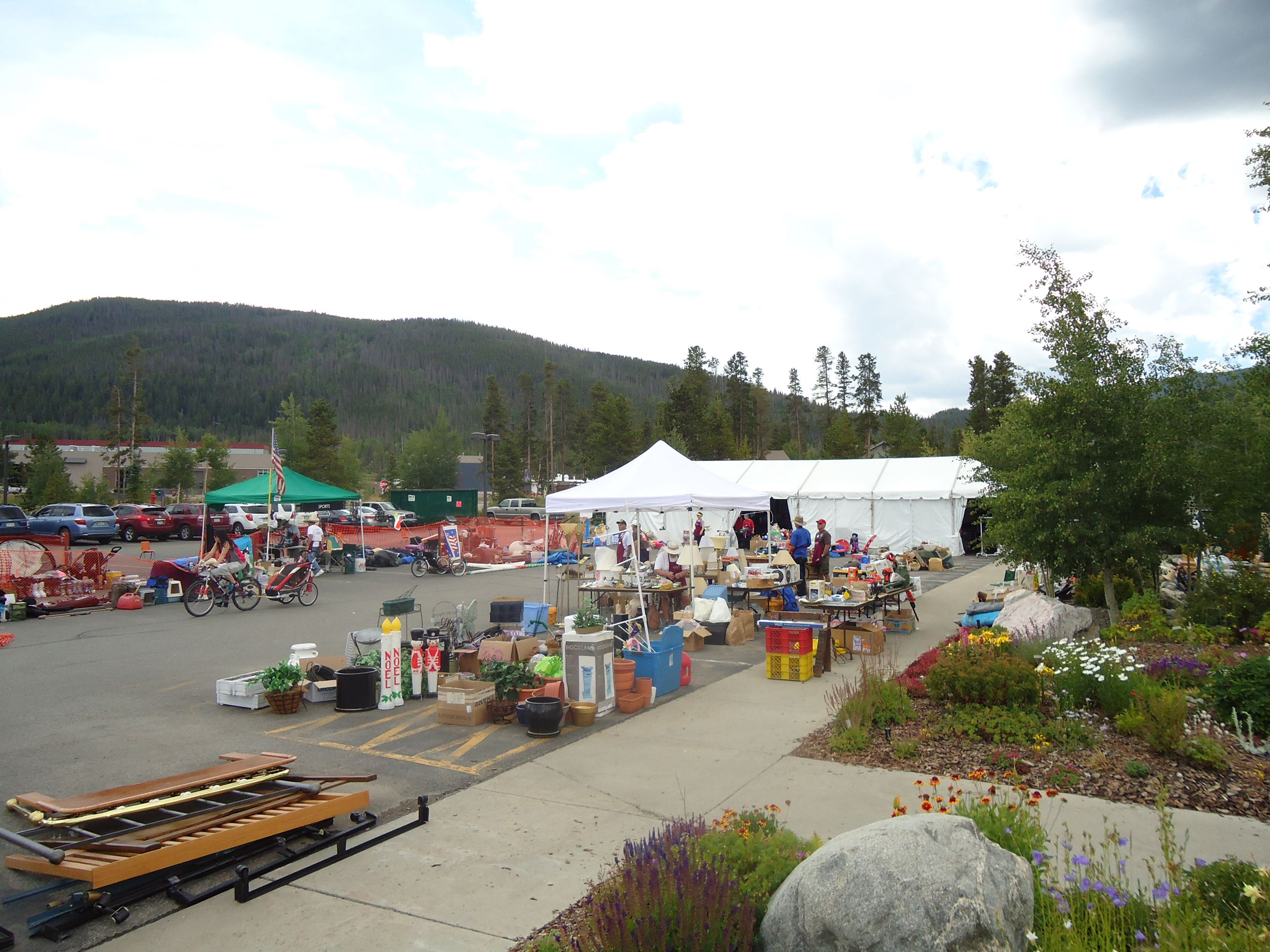 View of the parking lot at the Summit County Community and Senior Center during the Rummage Sale